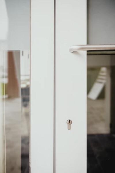 תיקון דלתות בחולון
